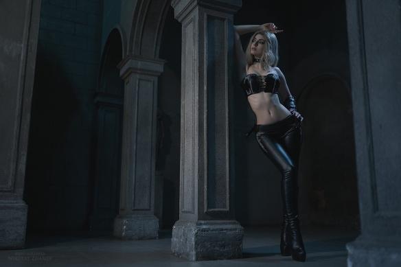 蠻腰皮褲!俄妹COS《鬼泣5》翠西:美豔魔女美圖賞!-1