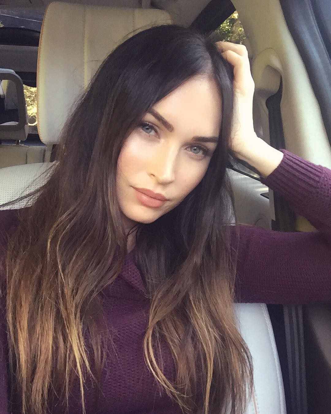 Megan-Fox-Wallpapers-Insta-Fit-Bio-13
