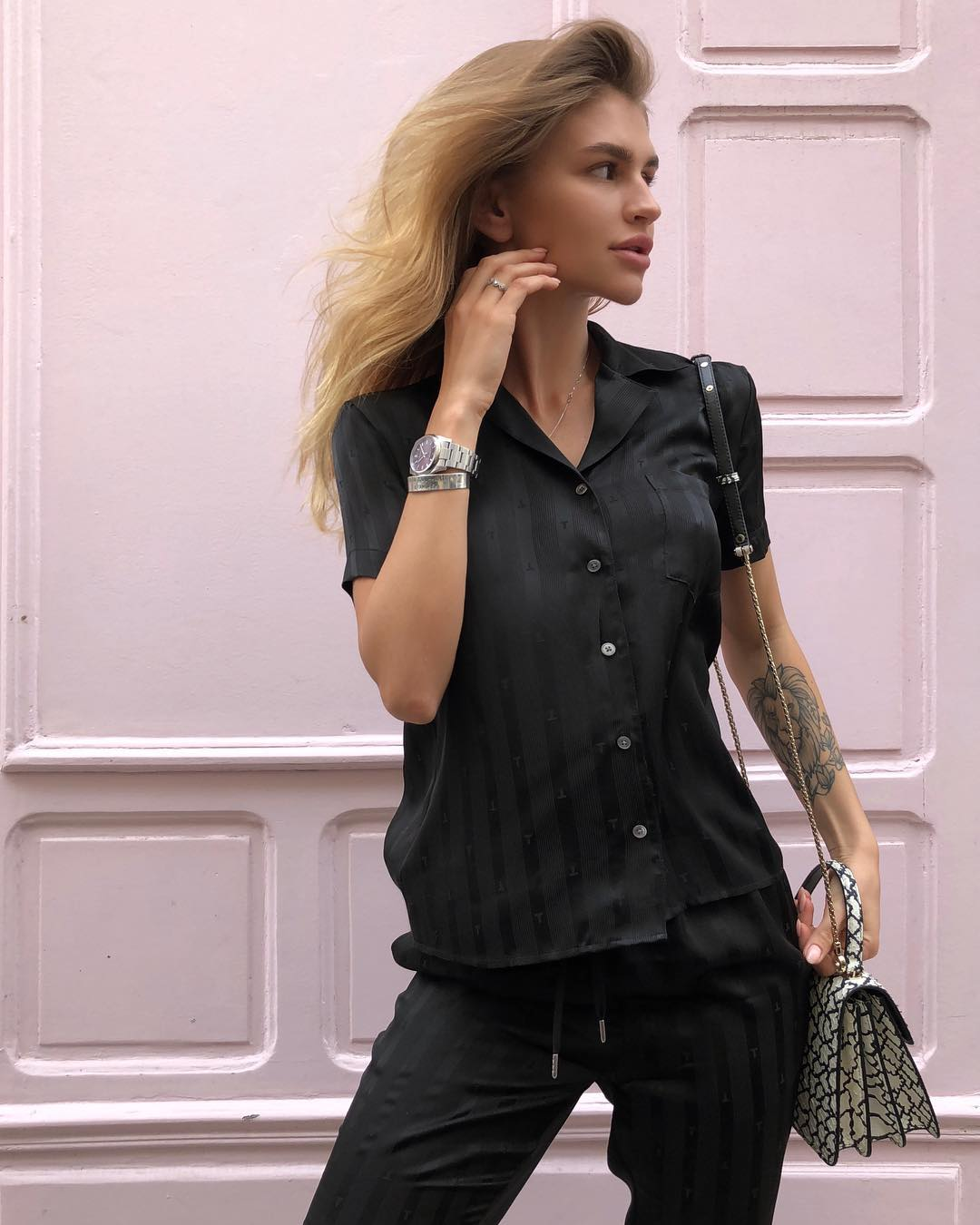 Anastasia-Mironova-Wallpapers-Insta-Fit-Bio-4