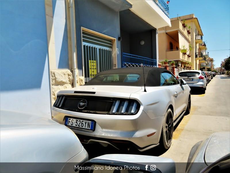 Avvistamenti auto rare non ancora d'epoca - Pagina 25 Ford-Mustang-Convertible-Ecoboost-2-3-317cv-18-FS326-YN