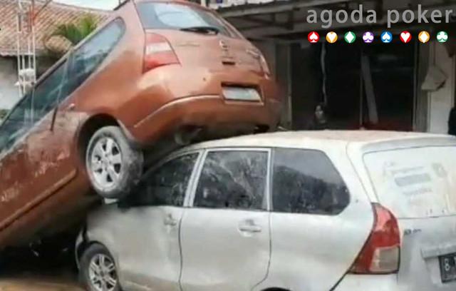 Perhatikan Hal Ini Bila Mobil Terendam Banjir