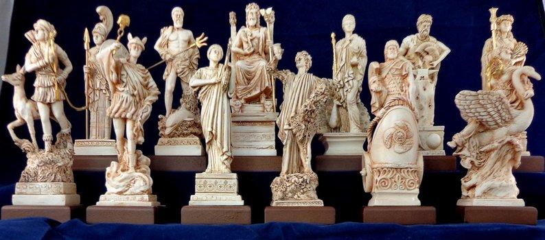 Estatuetas dos deuses gregos