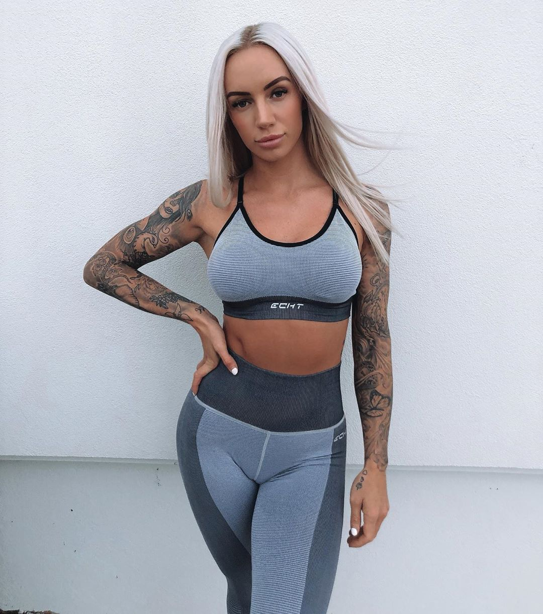 Court-Walding-Wallpapers-Insta-Fit-Bio-5
