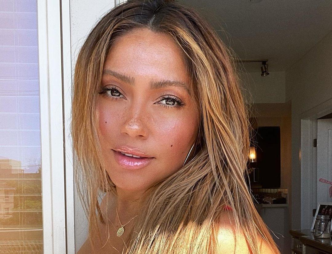 Jessica-Burciaga-Wallpapers-Insta-Fit-Bio-12