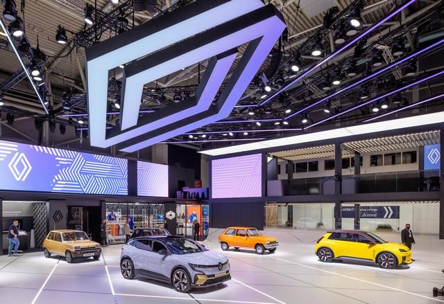 La Renault 5Prototype rencontre ses aïeules au salon de l'automobile de Munich Salon-IAA-de-Munich-2021-Renault-5-Prototype-et-Renault-5-5