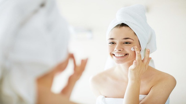 Clean Beauty 101: A Comprehensive Guide