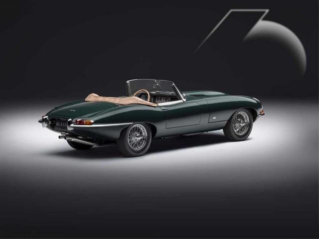"""Jaguar Classic Dévoile La Type """"60 Collection"""" : Homage Au 60e Anniversaire De La Sportive Légendaire 04-E-TYPE-OTS-exterior-R3-Qs"""