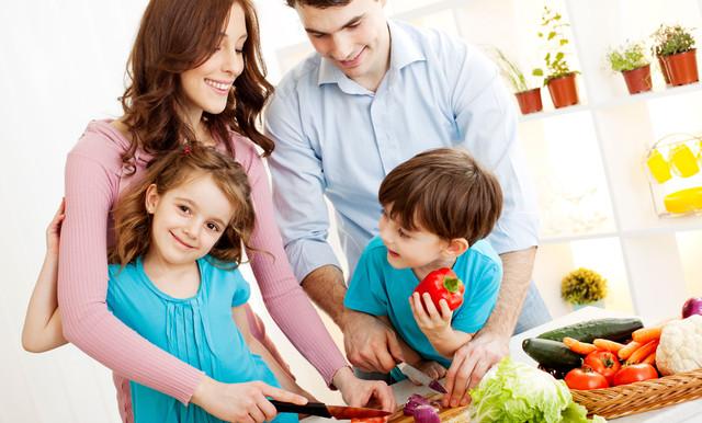 familia-comiendo-saludable