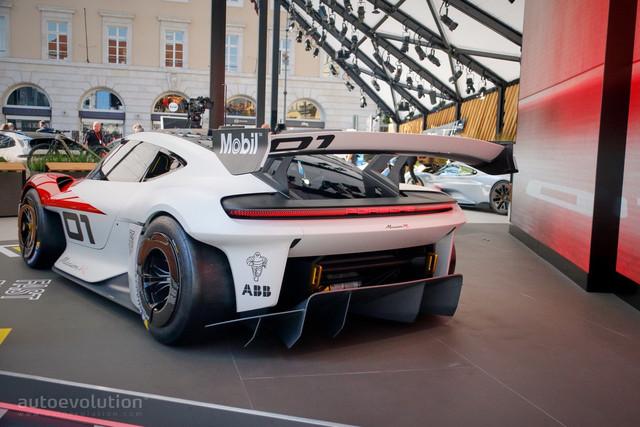 2021 - [Porsche] Mission R - Page 2 9-AE2-DC29-EA2-E-4-AEF-851-F-1-DA949-CCECC1