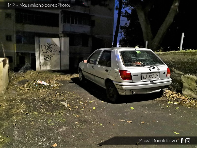 Auto Abbandonate - Pagina 9 Ford-Fiesta-1-3-58cv-95-AJ327-JM-1