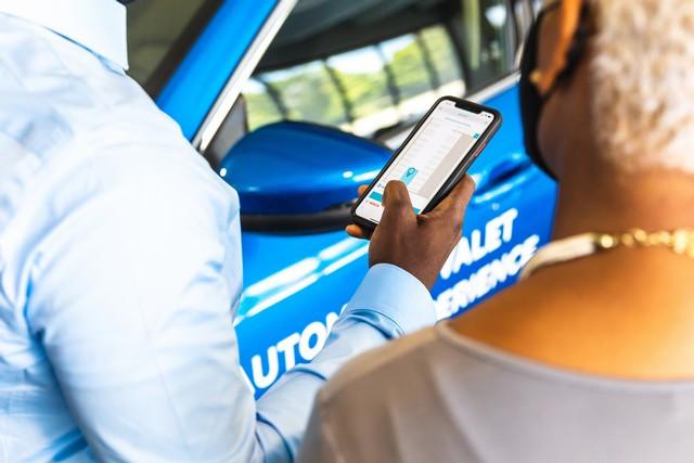 Ford et Bosch testent un système de parking autonome à Detroit Automated-Valet-Parking-016