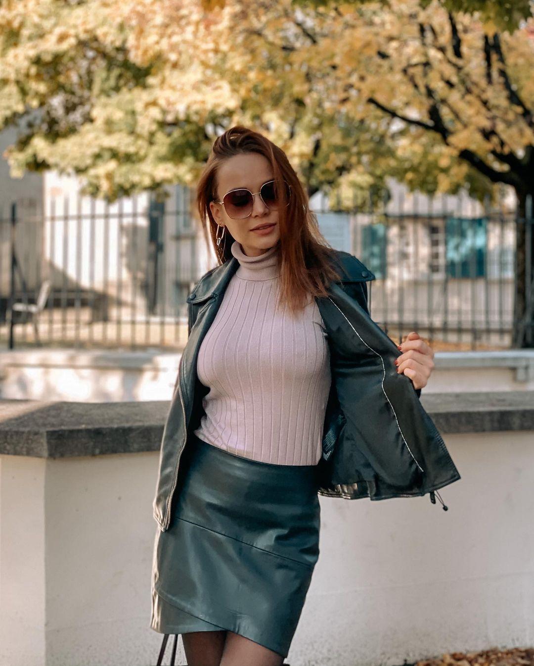 Angelina-Petrova-Wallpapers-Insta-Fit-Bio-2