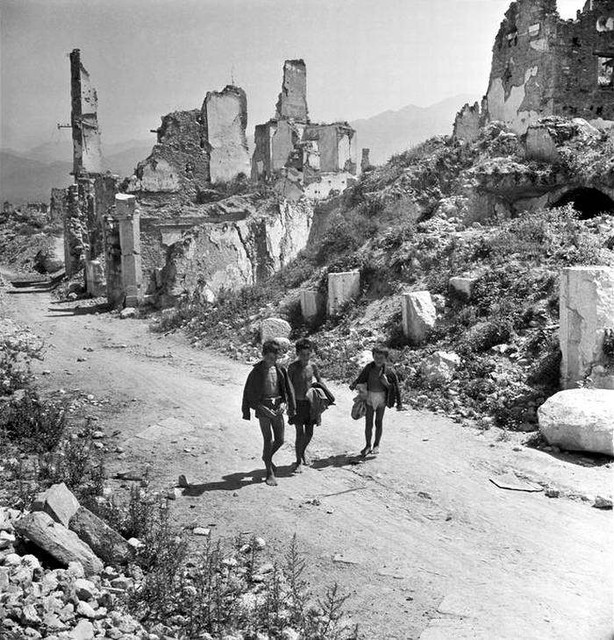 54-europa-after-ww2-photo
