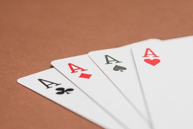 https://i.ibb.co/0QtYdYc/poker-cards.jpg