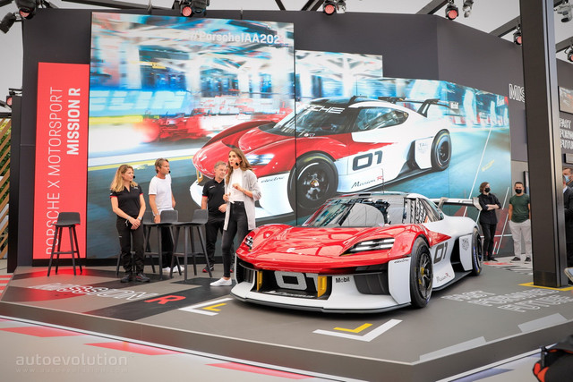 2021 - [Porsche] Mission R - Page 2 F4-B76203-DDA6-42-E5-BB7-B-7-C7-FA6-C6-A519