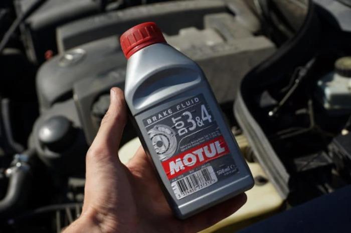 Это тормозная жидкость.  Фото: drive2.ru.