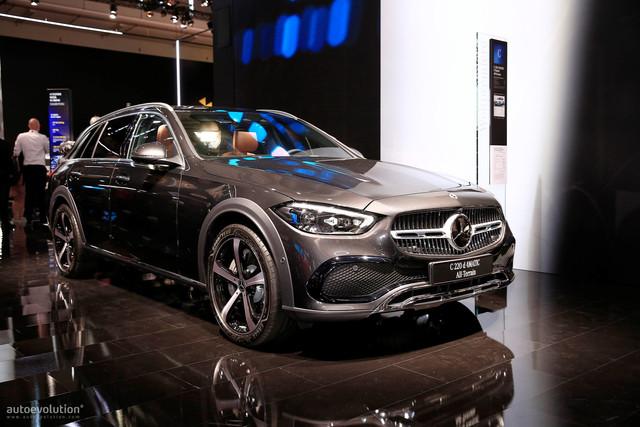 2021 - [Mercedes-Benz] Classe C [W206] - Page 18 DCCA6433-EF6-C-4-B80-B5-D6-27-C6-A275-CBFD