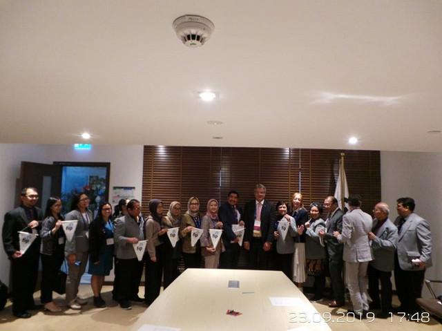 Penandatanganan-Mo-U-antara-IAI-dan-FIP-terkait-Program-Transformasi-Apoteker-di-Indonesia-1