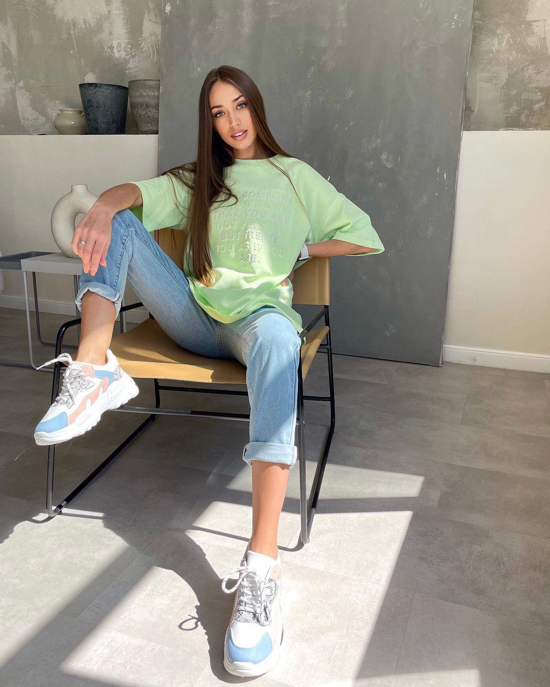 Ksenia-Stefanenko-Wallpapers-Insta-Fit-Bio-10