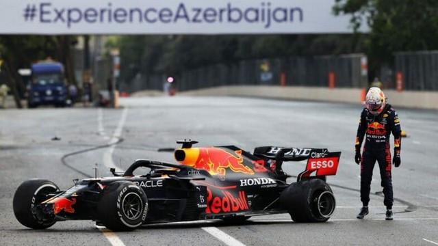 F1 GP d'Azerbaijan 2021 : Victoire Sergio Pérez (Red Bull Racing) Max-Verstappen-crash-F1-Bakou