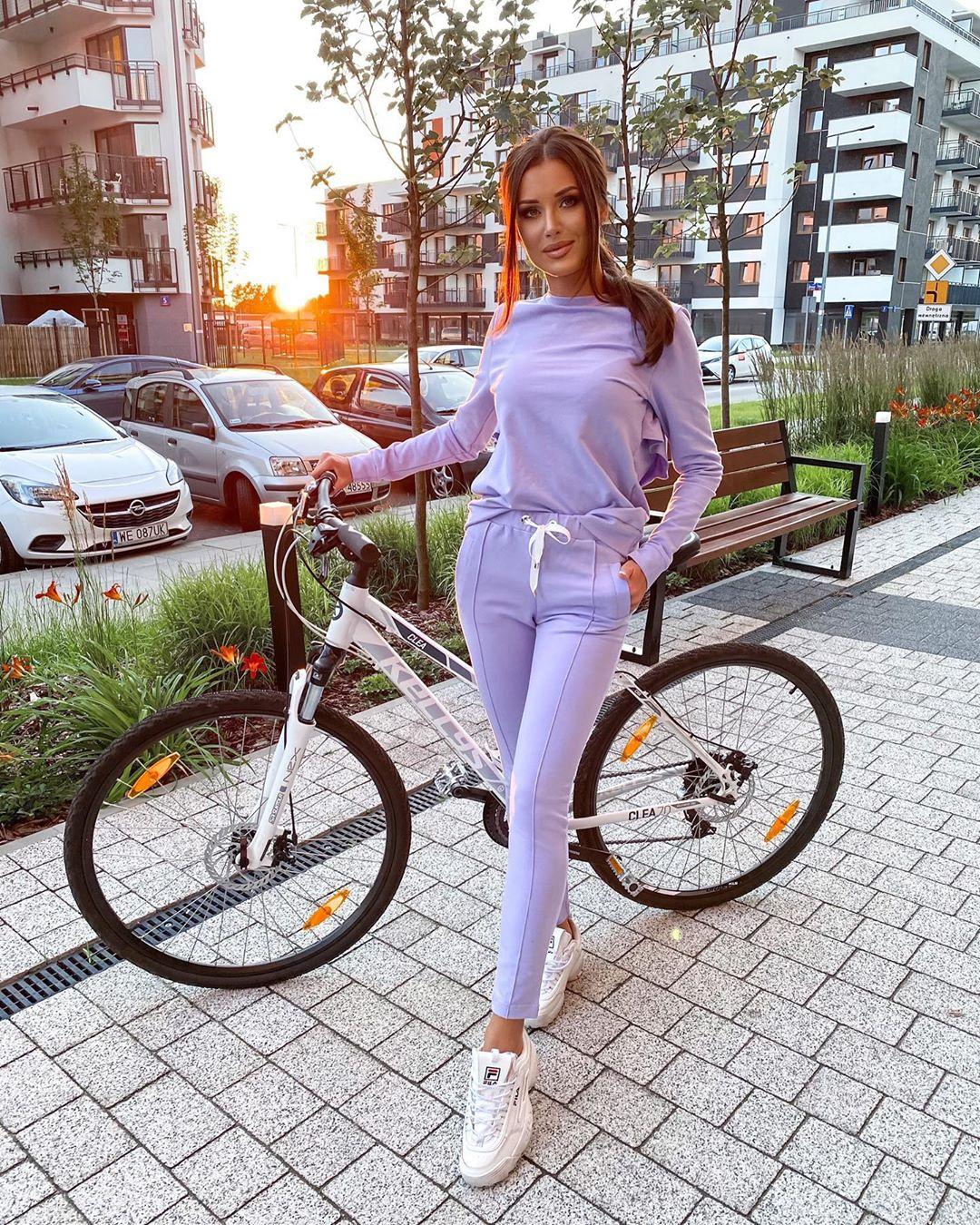 Halinka-Wisniewska-Wallpapers-Insta-Fit-Bio-5