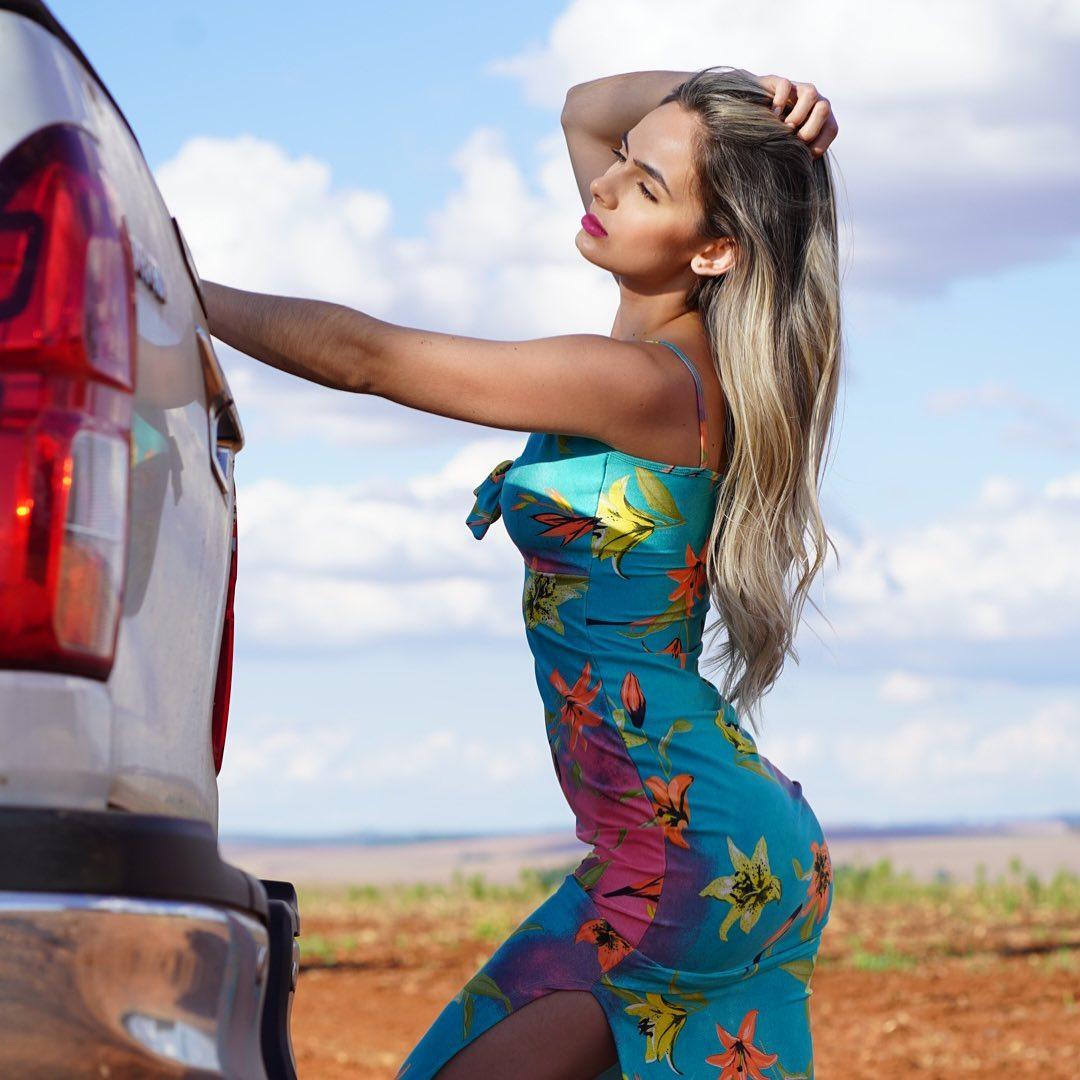 Ana-Jessica-Wallpapers-Insta-Fit-Bio-2