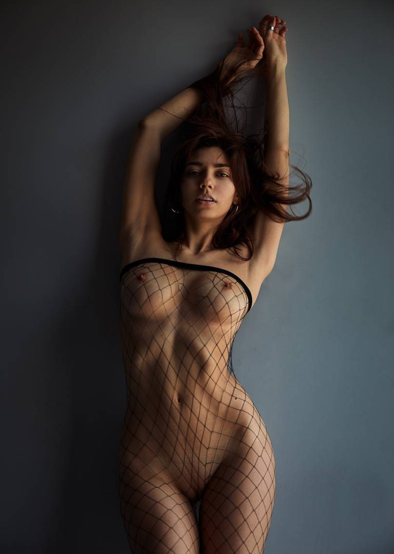 Fit-Naked-Girls-com-Irina-Lozovaya-nude-10