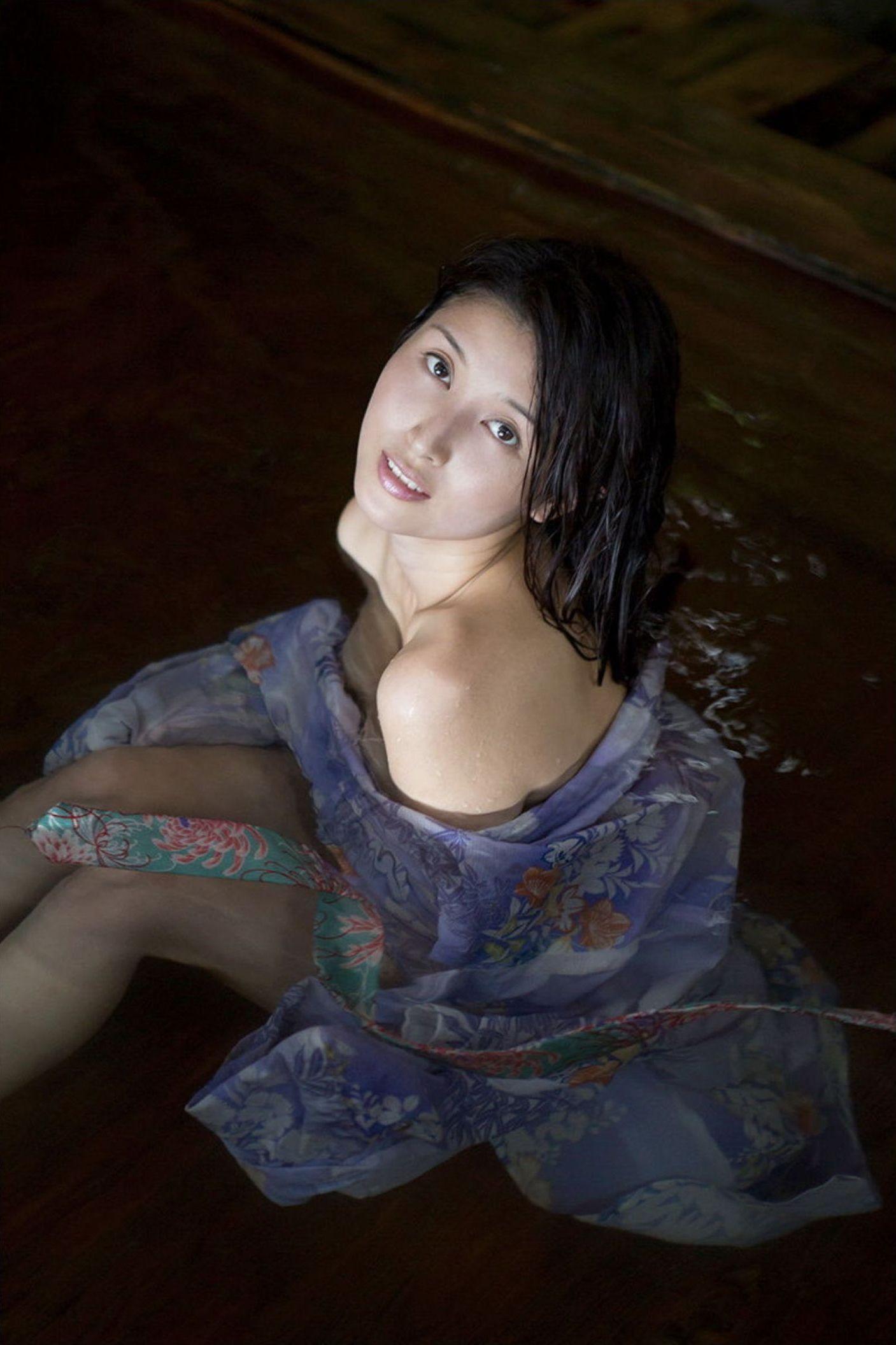 『愛の記憶』橋本マナミ デジタル写真集 041