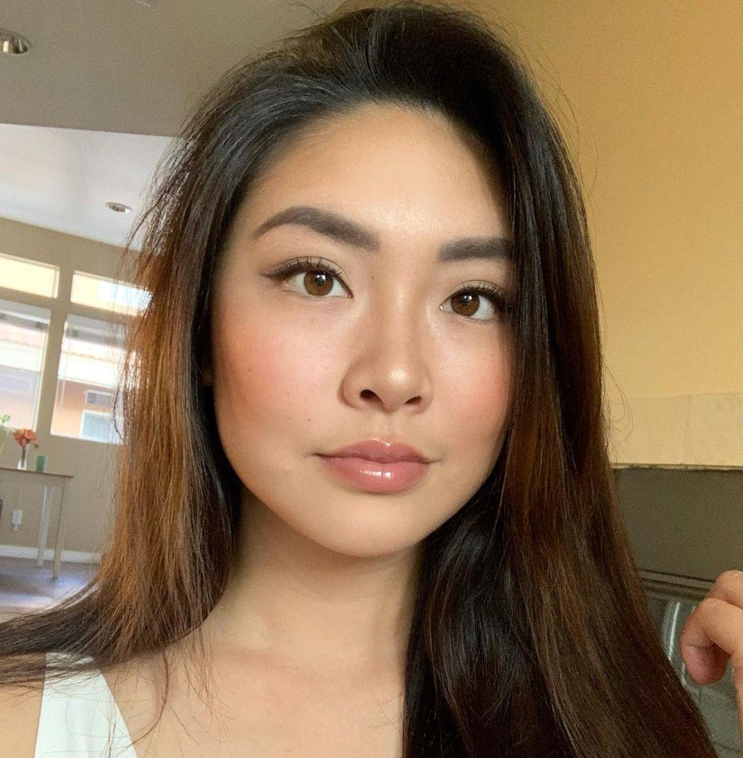Vivian-Jasmine-Yu-Wallpapers-Insta-Fit-Bio-16