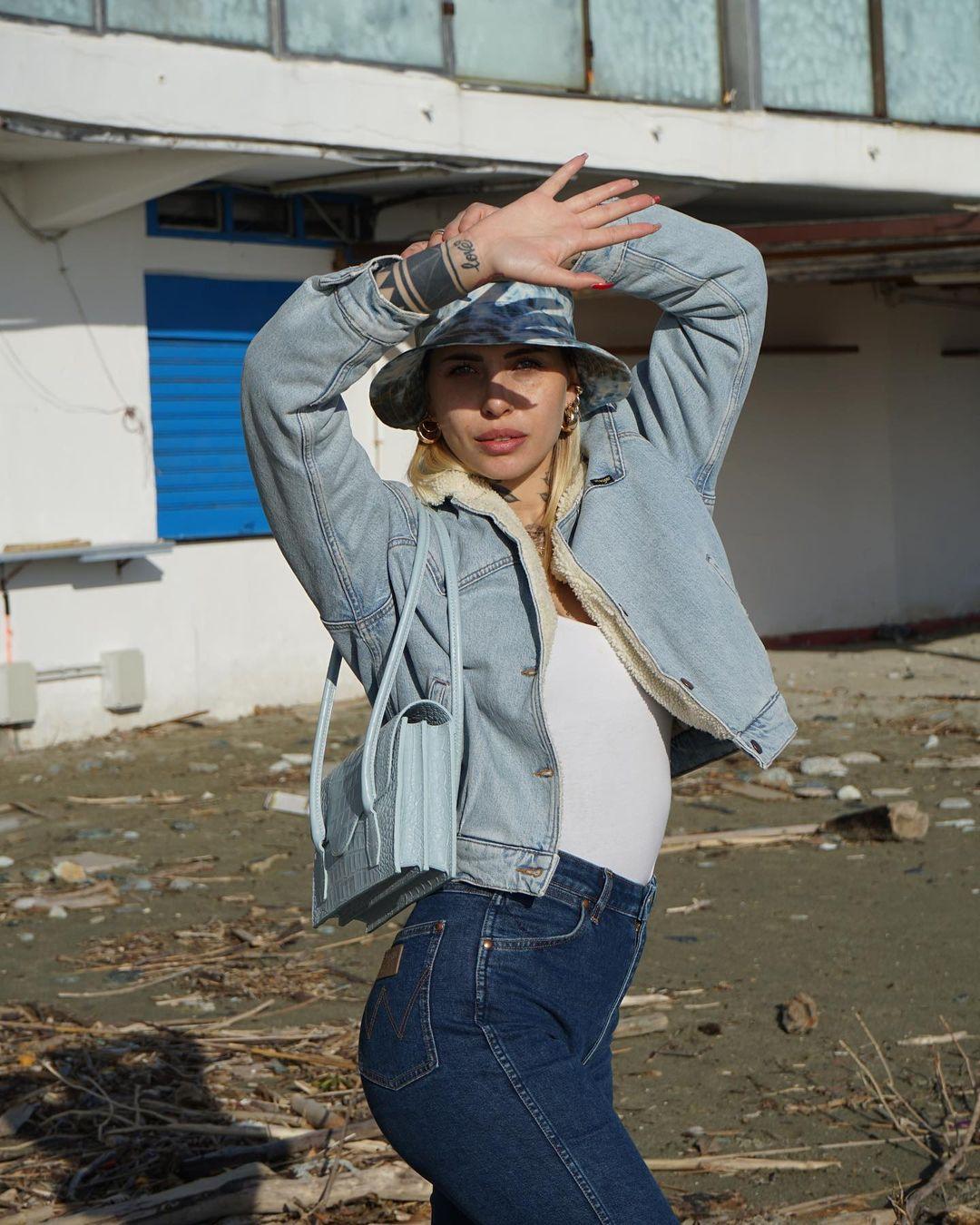 Ludovica-Melisurgo-Wallpapers-Insta-Fit-BIo-4