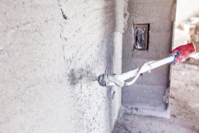 Автоматизированная штукатурка стен под плитку