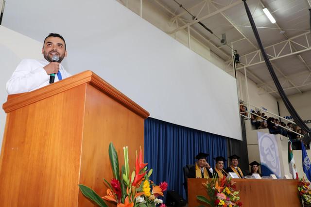 Graduacio-n-Medicina-105