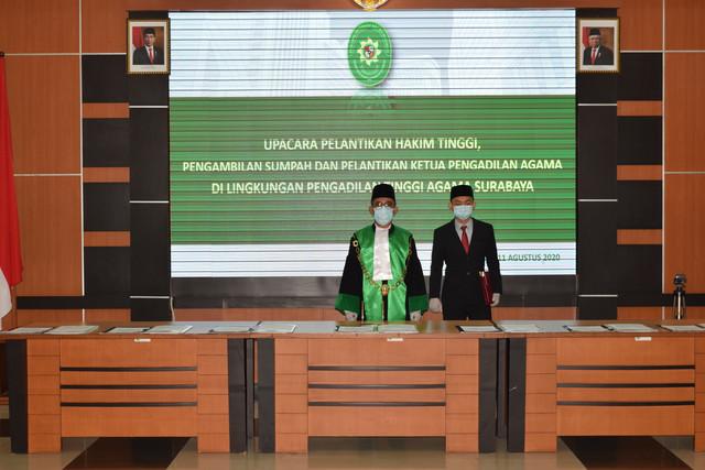 Pelantikan Hakim Tinggi Pengambilan Sumpah dan Pelantikan serta Serah Terima Jabatan Ketua Pengadilan Agama di Lingkungan Pengadilan Tinggi Agama Surabaya