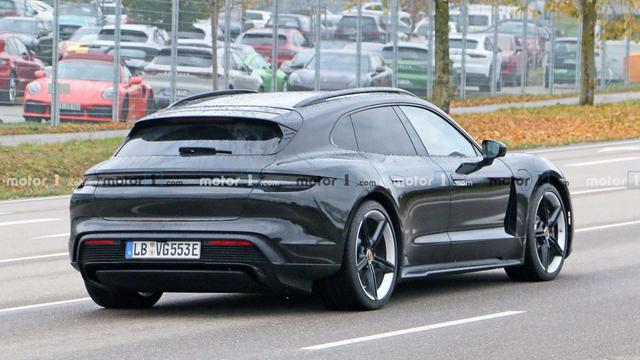 2020 - [Porsche] Taycan Sport Turismo - Page 3 FB24-A45-B-0-CEF-4-E27-B92-D-E92-FDC6-F24-AE