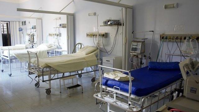 طبيب,نمساوي,يحذر,من,إغلاق,عام,رابع,وضغط,على,المستشفيات