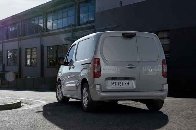 2018 - [Peugeot/Citroën/Opel] Rifter/Berlingo/Combo [K9] - Page 10 D6-CD4-C65-244-A-402-F-B2-DD-C356-CC049-E88