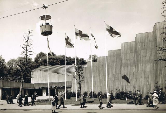Bruessel-1958-VR-101-Gangloff-Kabinen-02.jpg