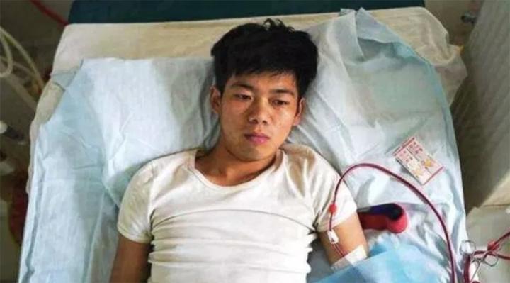 La historia del joven que vendió su riñón para comprar un iPhone
