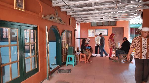 masjid-Jagabayan-pengunjung1