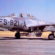 https://i.ibb.co/0qrycDg/31st-FEW-Republic-F-84-G-1-RE-Thunderjet-51-821.jpg