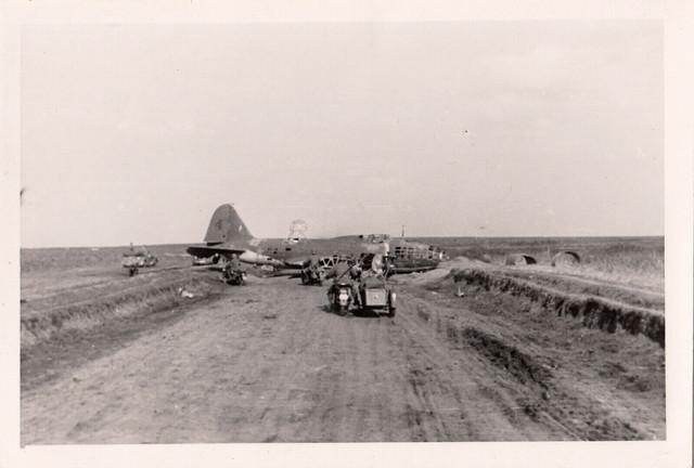 org-Foto-Wehrmacht-Ru-land-abgest-rztes-Flugzeug-Bomber-auf