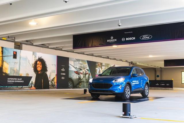 Ford et Bosch testent un système de parking autonome à Detroit Automated-Valet-Parking-007