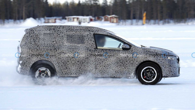 2022 - [Dacia] Jogger 4264421-E-5-E74-43-B4-A30-C-52-BA3-C890-C86