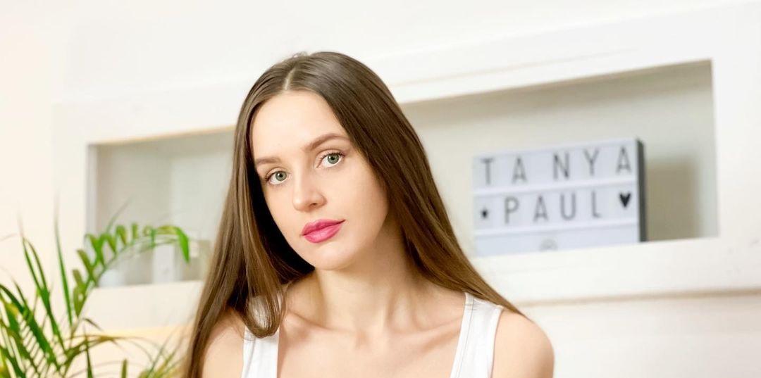 Tatsiana-Paulava-Wallpapers-Insta-Fit-Bio-13