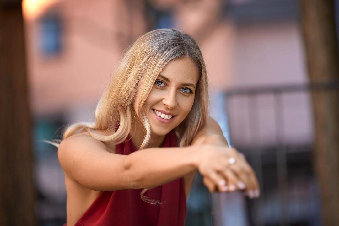 Lea-Manuela-Wallpapers-Insta-Fit-Bio-16