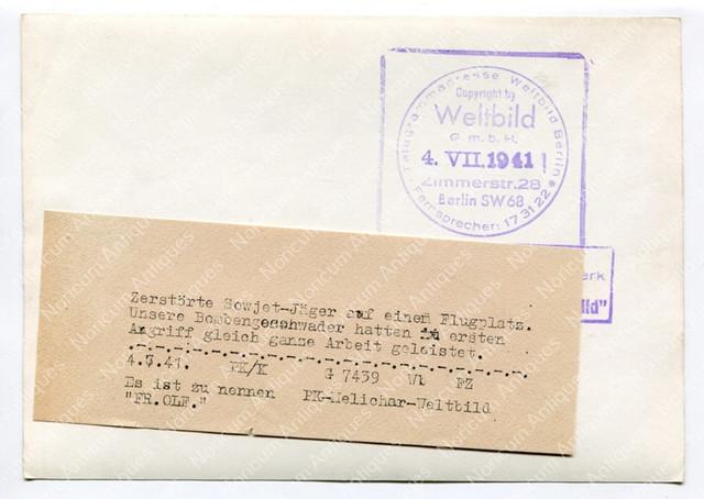 Zerst-rte-Sowjet-J-ger-auf-einem-Flugplatz-Pressefoto2