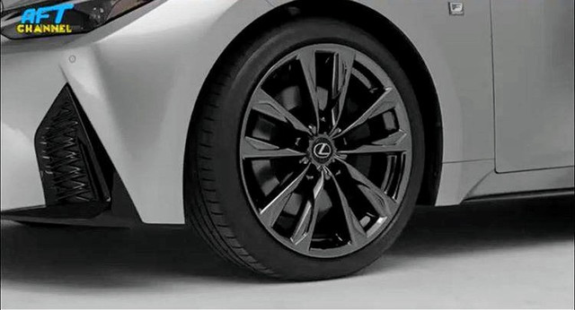 Lexus IS (2020) 14