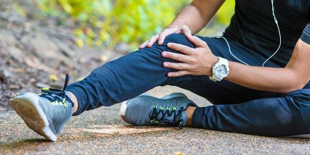 9-penyebab-lutut-sakit-saat-ditekuk-1603350798