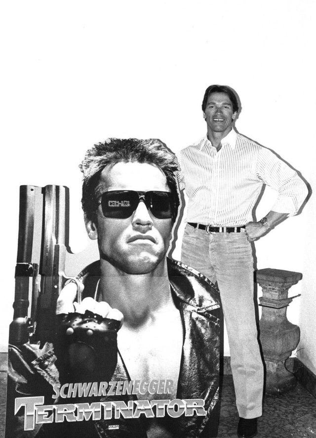 """Арнольд Шварценеггер обрадовал поклонников архивными снимками со съемок """"Терминатора"""" (4 фото)"""