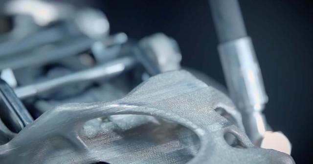 Bugatti-titanium-3d-printed-brake-caliper-06.jpg